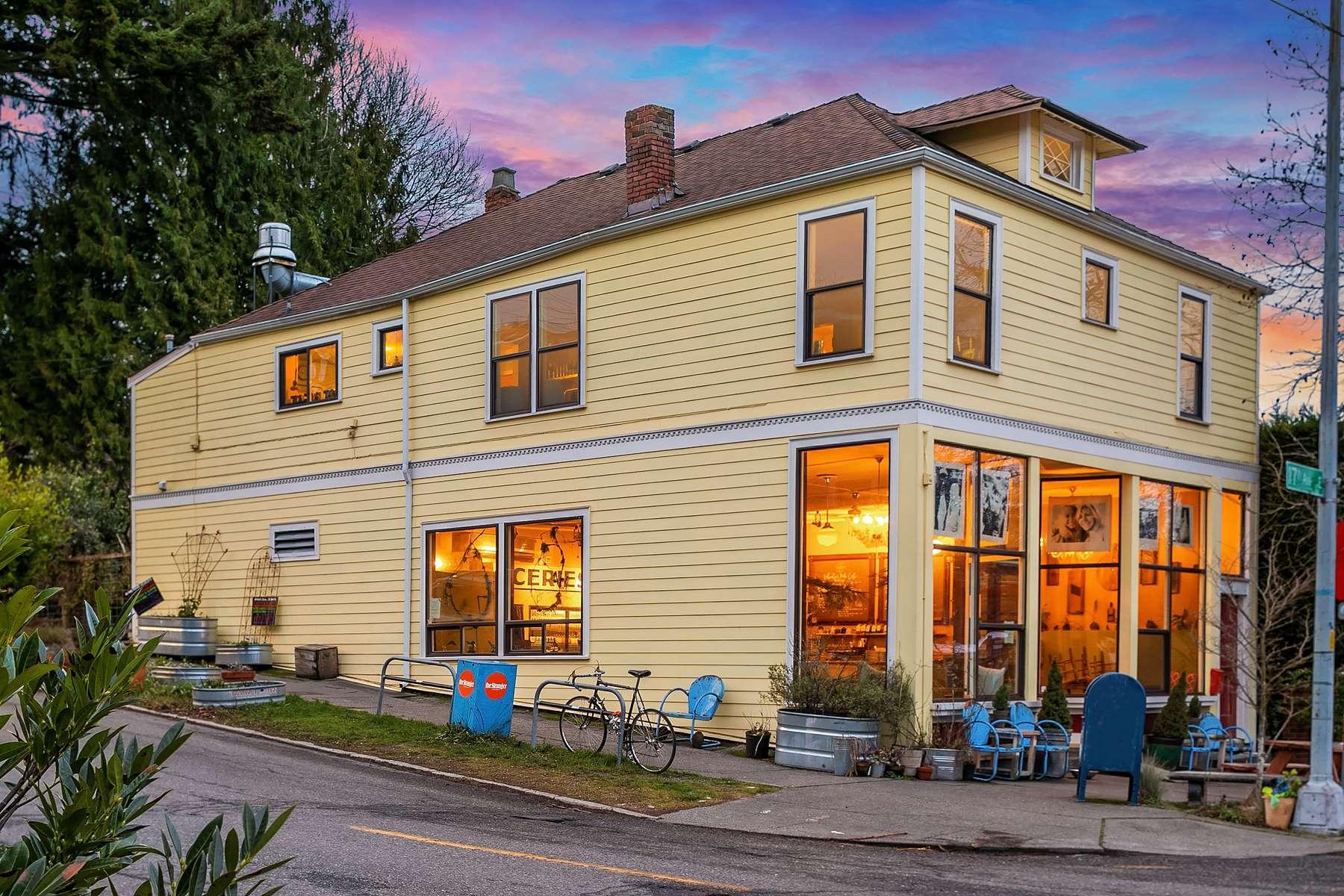 exterior photo coffee shop