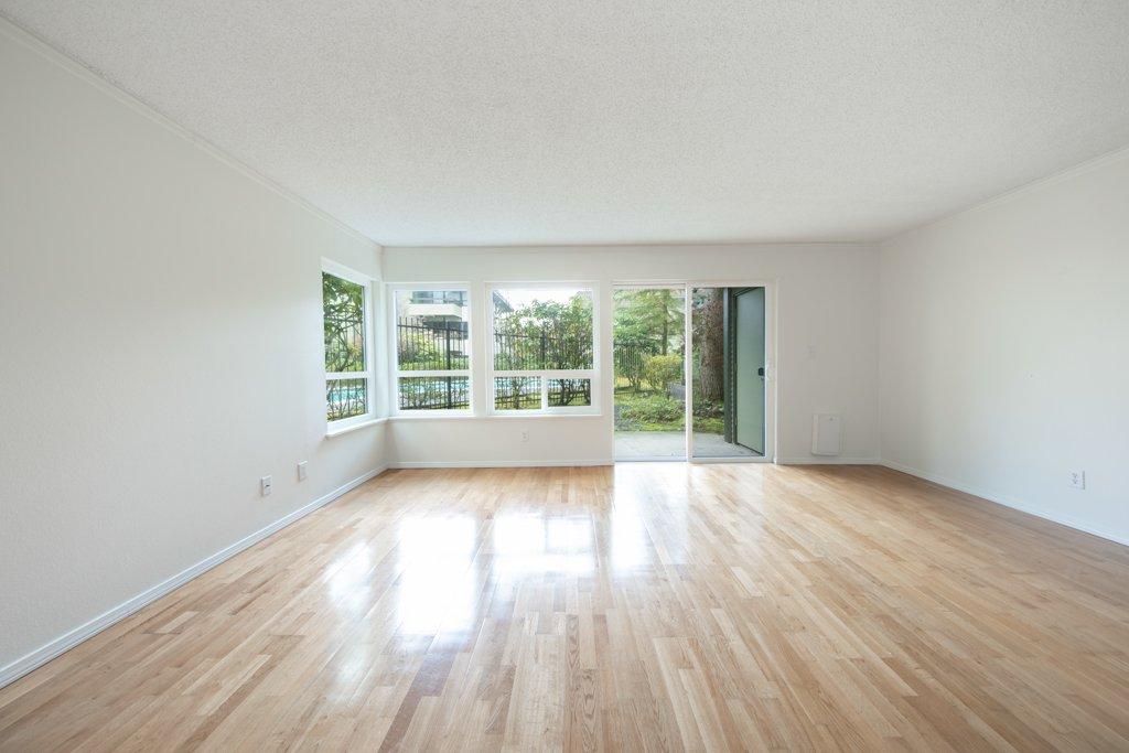 interior photo kitchen