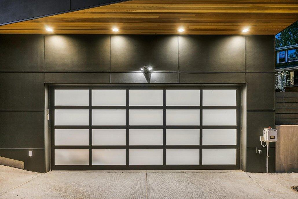 exterior photo of garage
